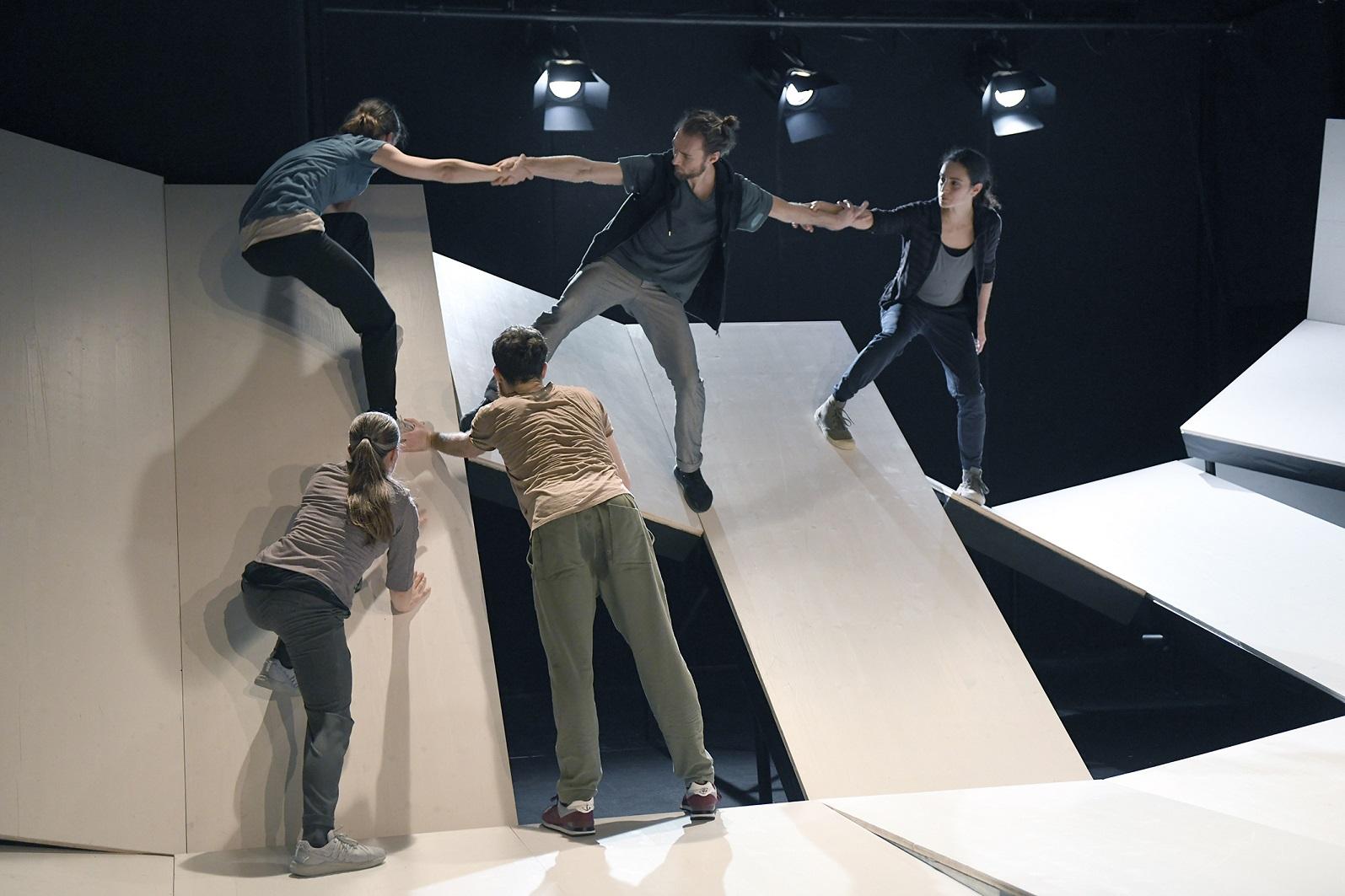 AMAUnstable71-StaatstheaterBS